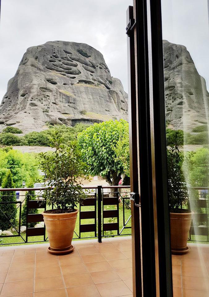 הנוף הנשקף מחלון החדר ב Dellas boutique hotel